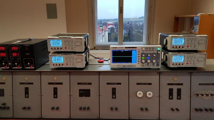 Nové vybavení elektrolaboratoře
