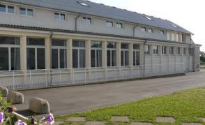 Škola v Beaune la Rolande
