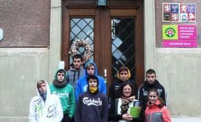 Skupina italských studentů a učitelů