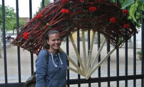 Florální objekty v Klášterních zahradách – přijďte se vyfotit v originálním fotokoutku