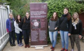 Návštěva Festivalu zahrad u zámku Chaumont, foto u vstupu